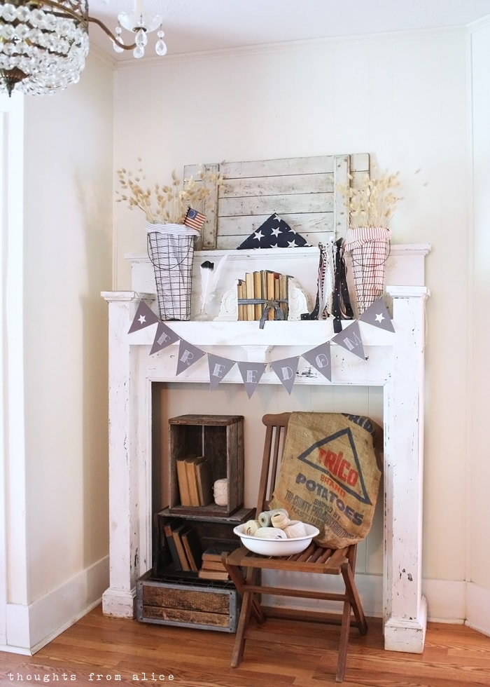 4th-of-July-Mantel-and-a-free-printable-banner-3