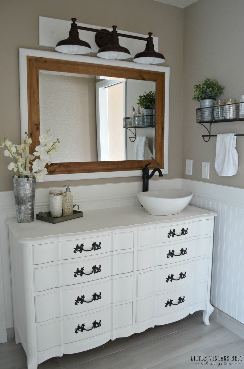 Farmhouse-Bathroom-Vanity-and-Farmhouse-Light