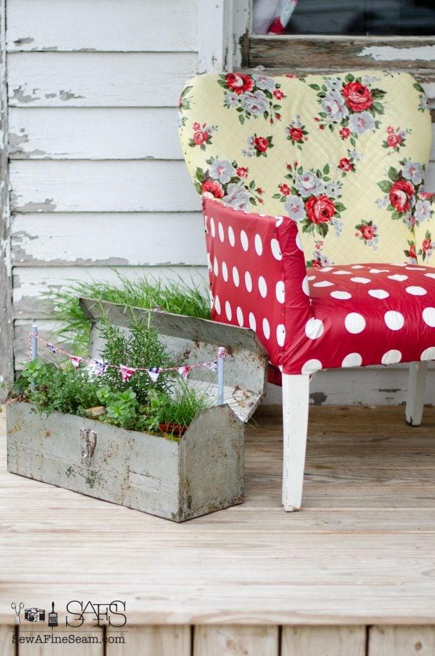 Patriotic-Fairy-Garden-pennant-banner-for-toolbox-garden-620x936