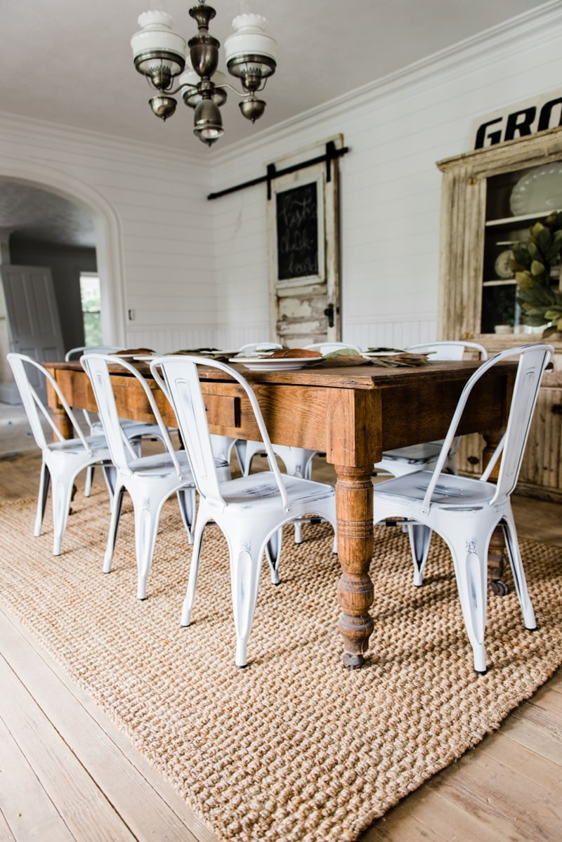 New farmhouse dining chairs liz marie blog for Farmhouse style dining set