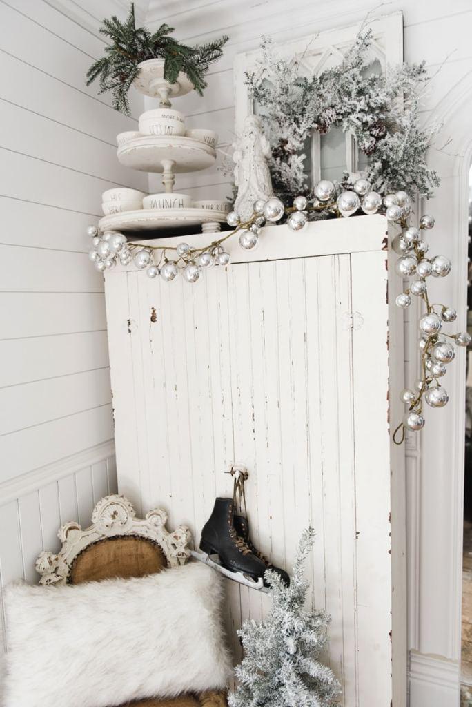Farmhouse Christmas Cabinet & Rustic Santa - A must pin for rustic farmhouse Christmas decor!