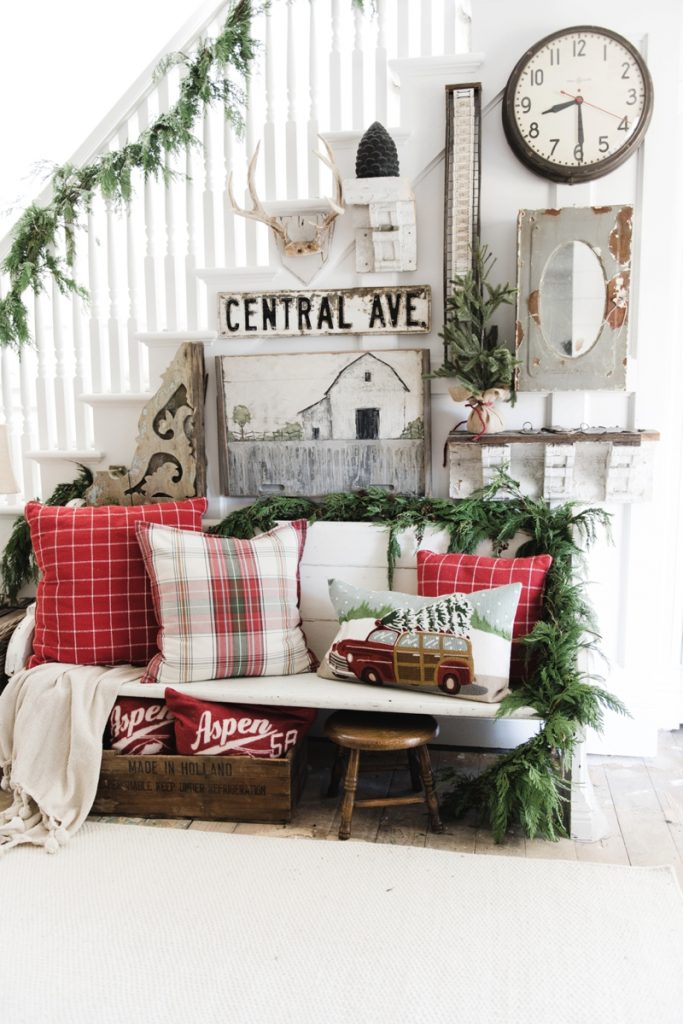 diy rustic farmhouse christmas entryway a must pin for farmhouse and cottage style christmas decor