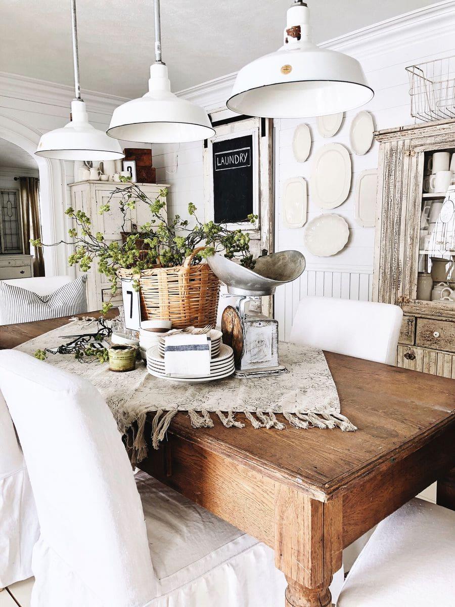 farmhouse dining room decor   Spring Basket Centerpiece - Farmhouse Spring Tablescape ...