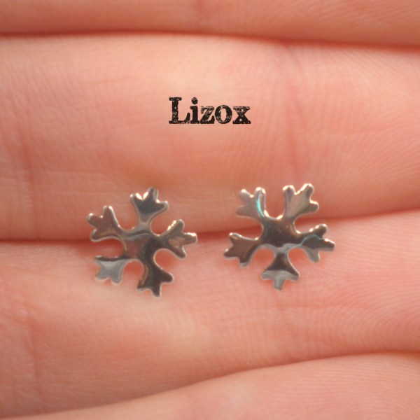 lizox-sterling-silver-snowflake-ear-posts