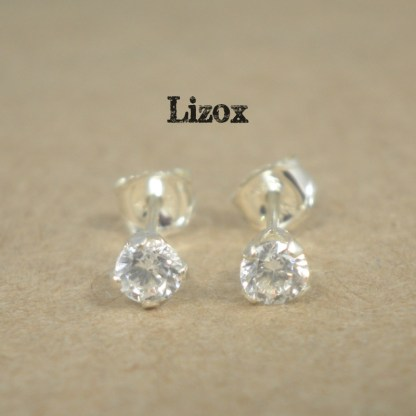 lizox-sterling-silver-3mm-cz-studs