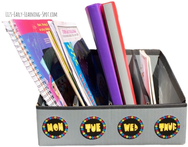 Grab these free weekday and stationery labels to add a little color to your filing and storage systems!