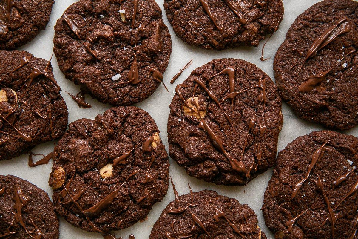 freshly baked nutella cookies