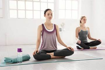 Mujeres practicando mindfulness. Para qué sirve el mindfulness