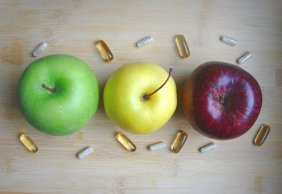 pills and apples