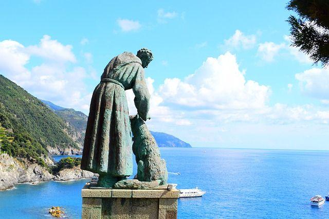 Estatua en Monterroso al Mare