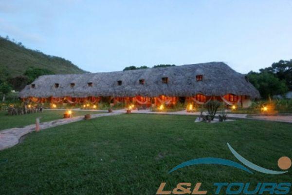 Camping Superior Tapuy Lodge Canaima Venezuela LampL Tours