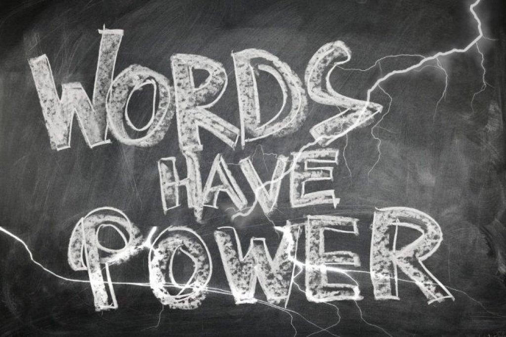 La investigación cualitativa utiliza el poder de las palabras