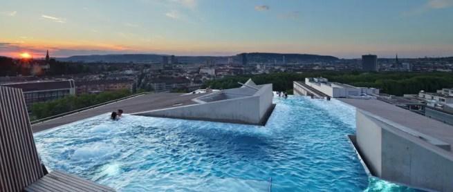 B2 Roof Pool