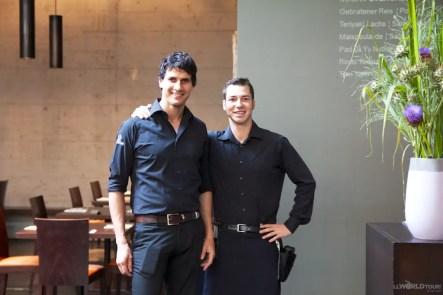Noohn waiters