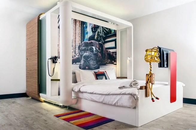 qbic-hotel-bed