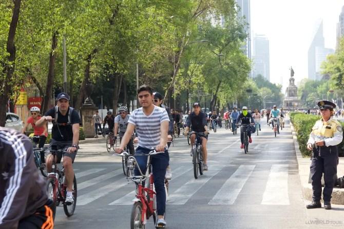 Biking Paseo De Reforma