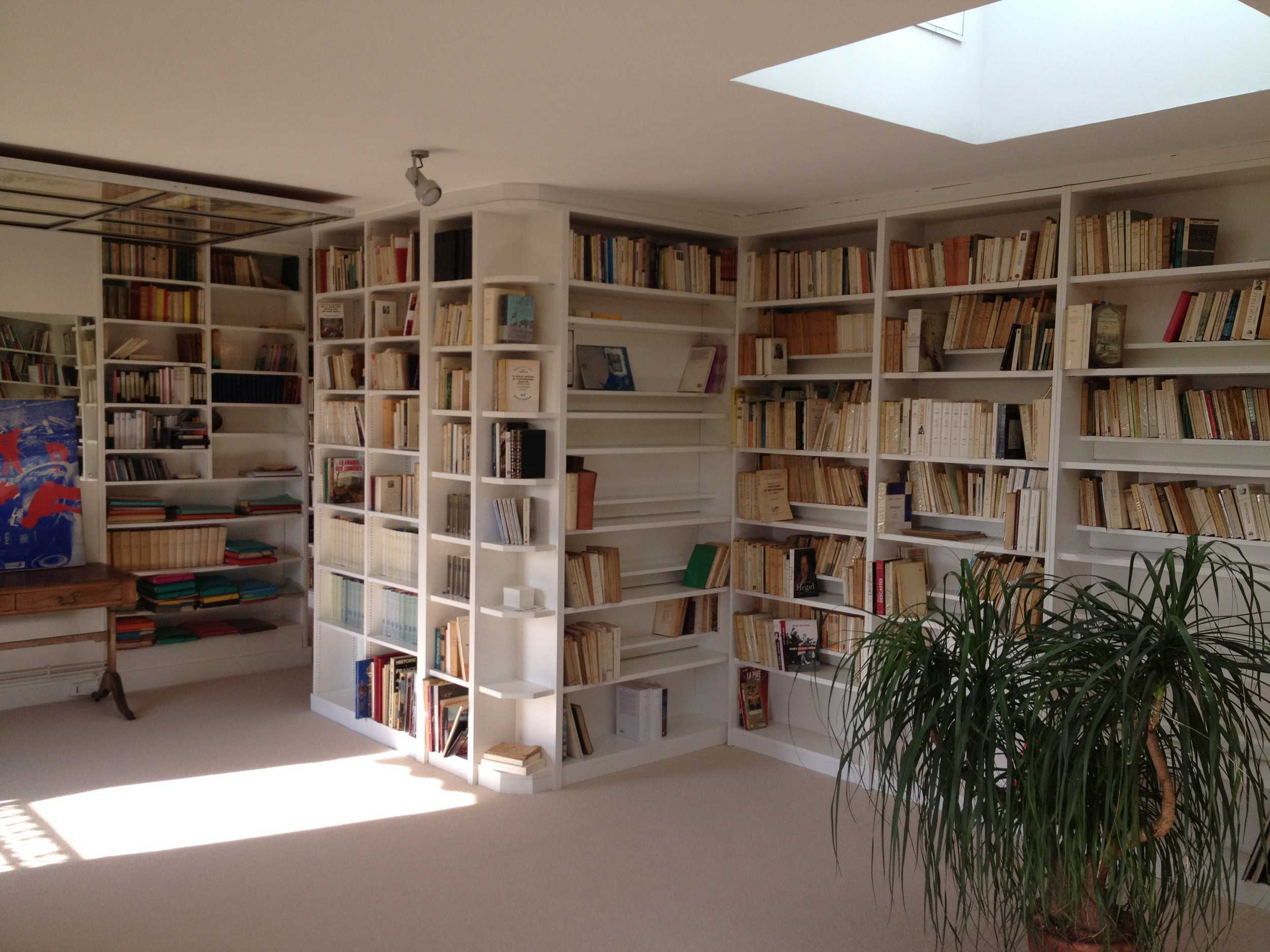 bibliotheque d angle