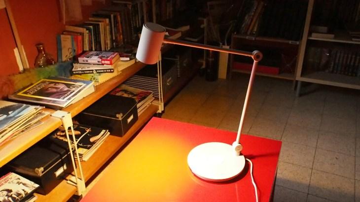 מנורת טעינה אלחוטית איקאה