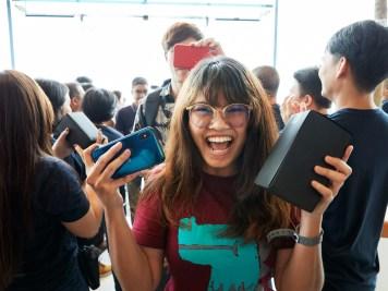 פתיחת החנות של אפל בתאילנד