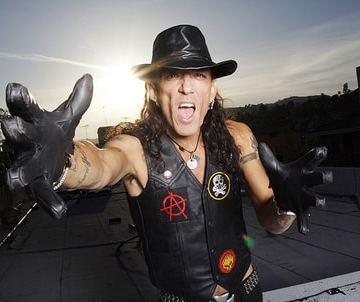Stephen Pearcy says 'The Real RATT' will be back in 2017