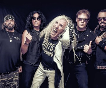 Watch TWISTED SISTER's Farewell performance