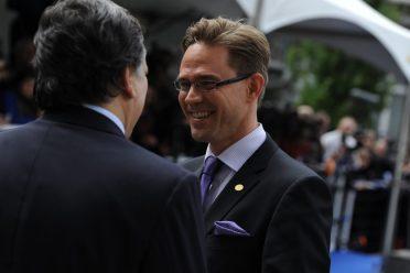 Das Bild zeigt Barroso und Katainen bei einem Treffen im Jahre 2011. Seitdem sind die Kontakte offenbar nicht abgekühlt.