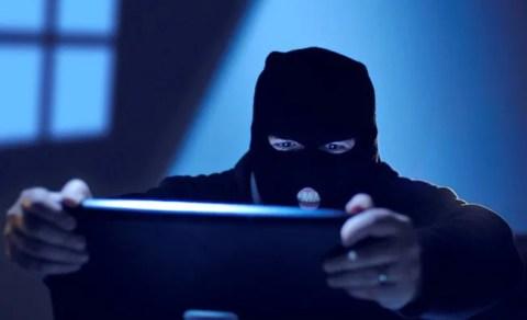 Lopovi ukrali 30 računara iz Osnovne škole Stevan Sremac u Borči