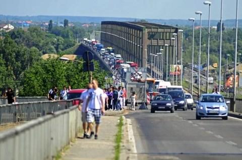 Haos na Pančevačkom mostu zbog sanacije - 22.06.2013