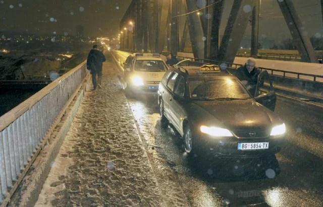 Rizično na Pančevačkom mostu