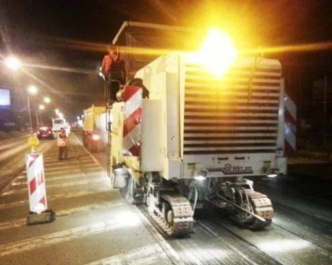 Noćno asfaltiranje Zrenjaninskog puta od Koteža do Borče 2014