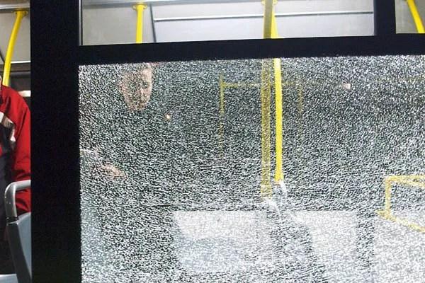 Na Zrenjaninskom putu kamenovan autobus GSP-a