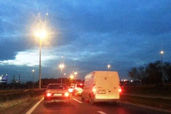 TOTALNI HAOS: Kilometarske kolone, satima preko do Pančevca - 28-11-2014