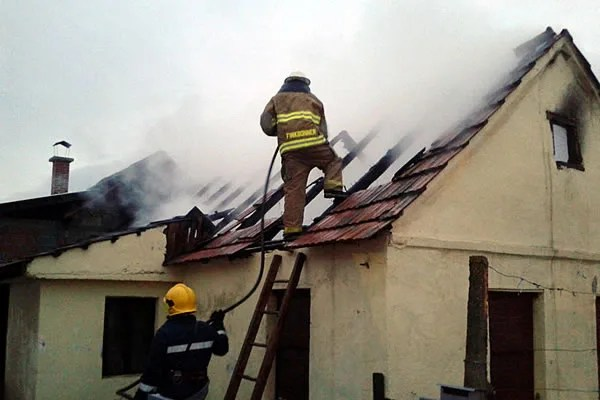 Izgorela soba u požaru na Zrenjaninskom putu, nema povređenih -2015-06-18