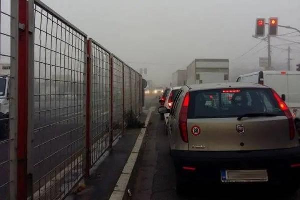 Totalni kolaps u Borči zbog lančanog sudara kod Malog Zbega - 2015