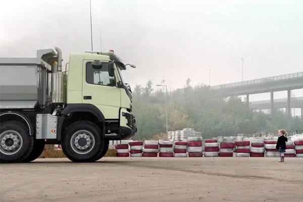 Volvo snimio reklamu kod Pančevačkog mosta (VIDEO)