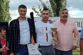 Pobednik sa predstavnicima opštine