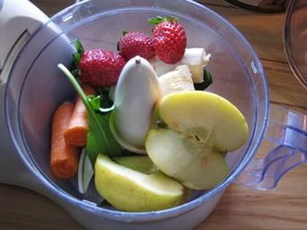 Obst/Gemüse/Kräuter-Brei im Frühsommer