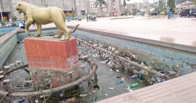 Gare centrale : la place du 30 juin semblable à une poubelle