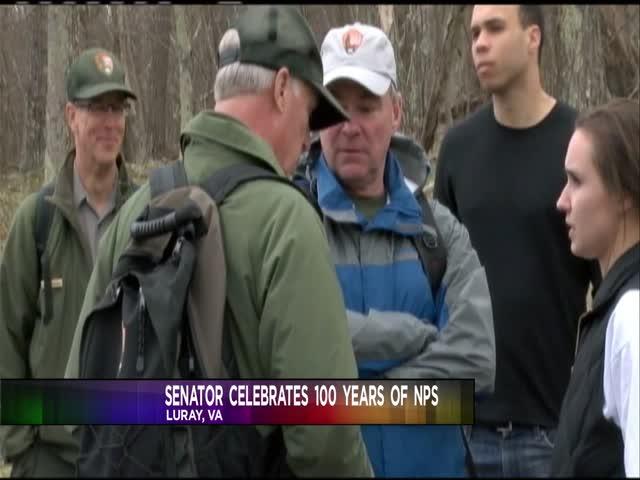 Senator takes a hike to celebrate NPS_89556091-159532
