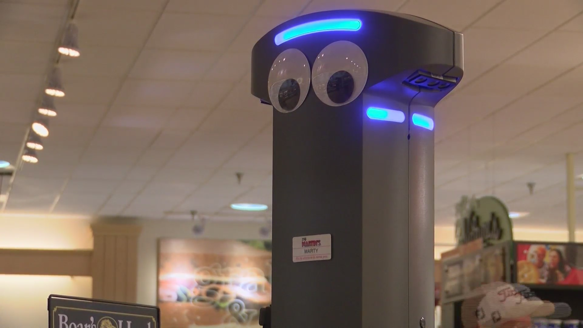 Hagerstown welcomes newest citizen -- Marty, the robot