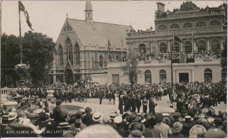 King George Viewing his Late Father's Statue, Victoria Rooms, 4 Jul 1913, BRO 43207/22/17/135