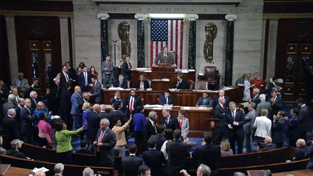 House passes health care_1493950012215-159532.jpg09171696