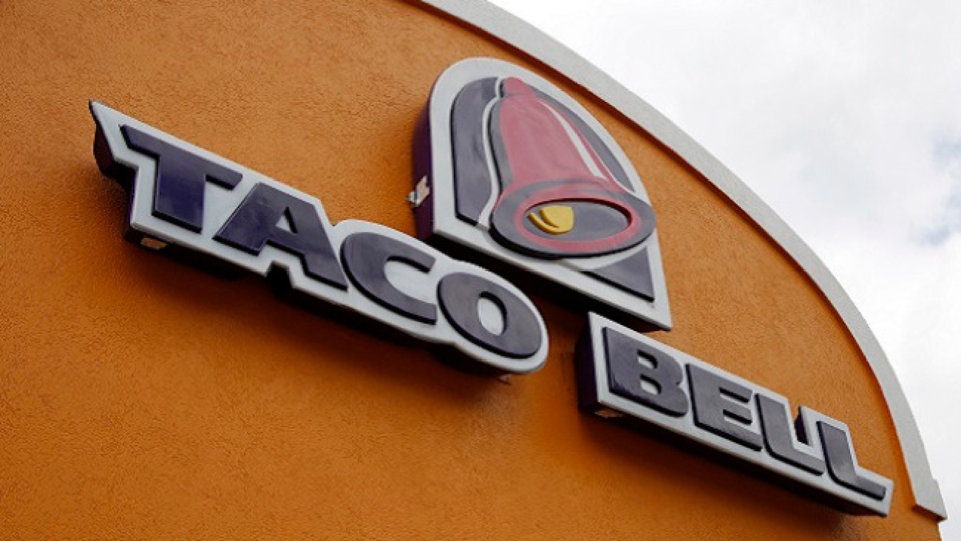 Stolen base in World Series means freebie coming up at Taco Bell locations