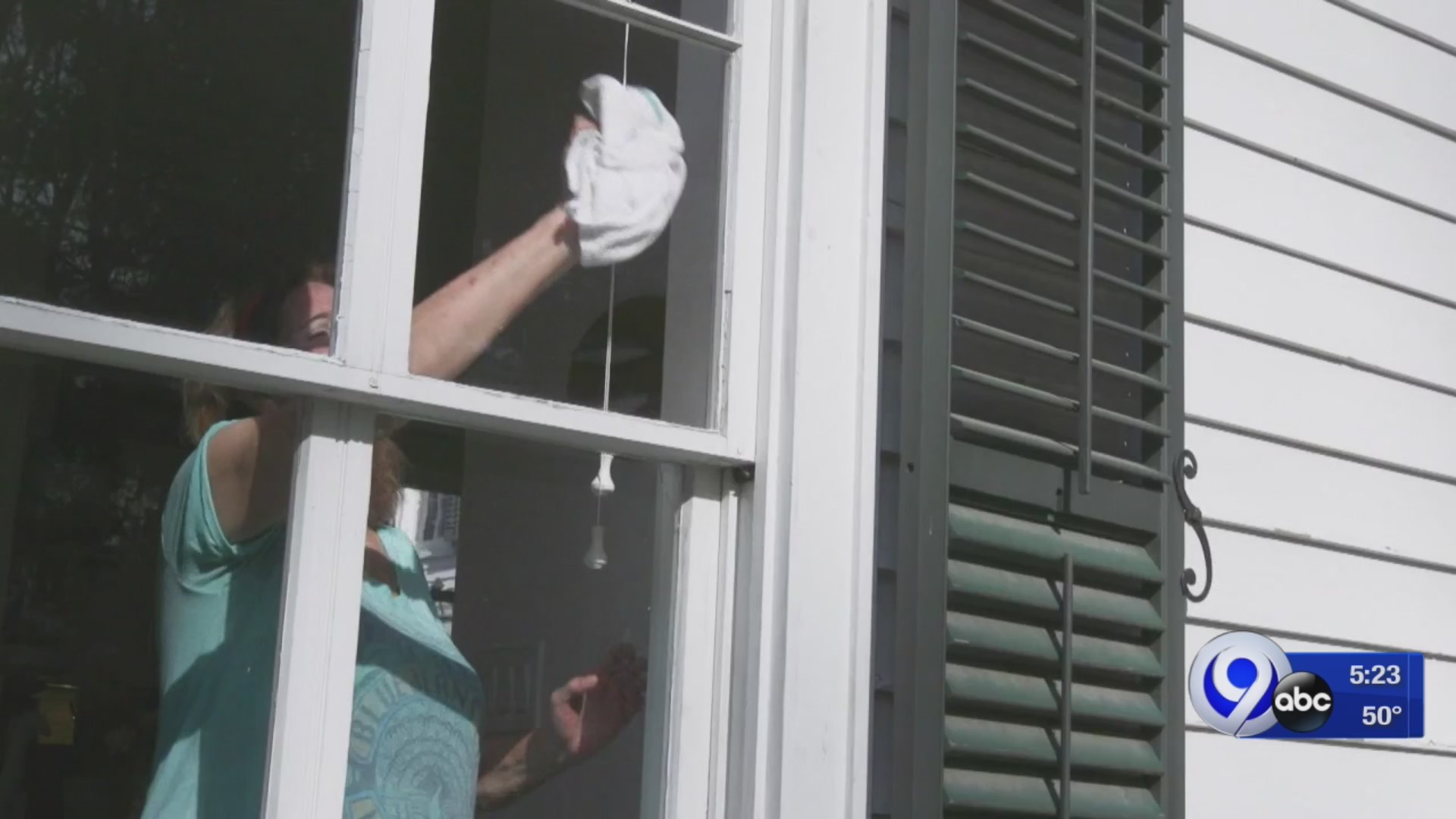 Clean Your Windows Like A Pro: Consumer Reports