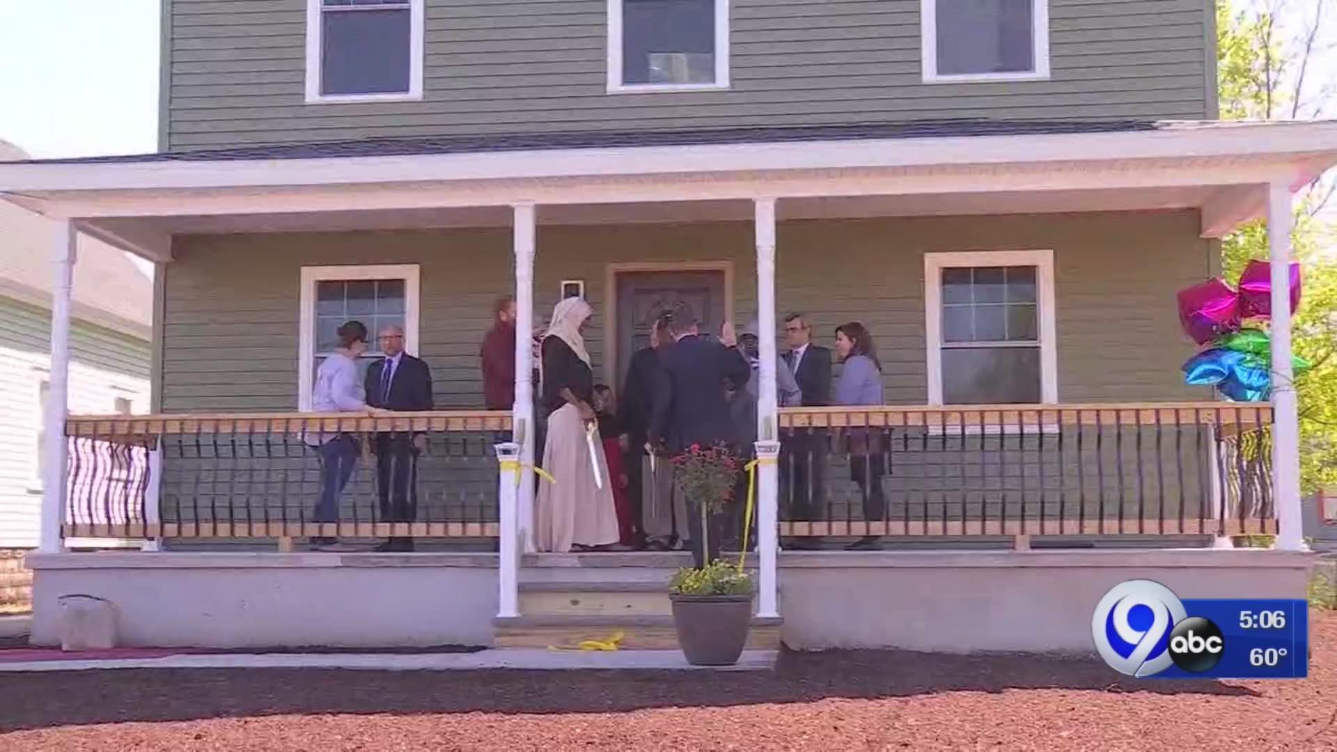 New_home_built_on_Syracuse___s_north_sid_0_20190508211420