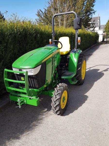 Un Specialiste En Entretien De Tracteur Et En Location De Tracteur