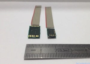 Doehler & Haass DH05C (right) and DH10C (left) - bottom view - DCC decoders