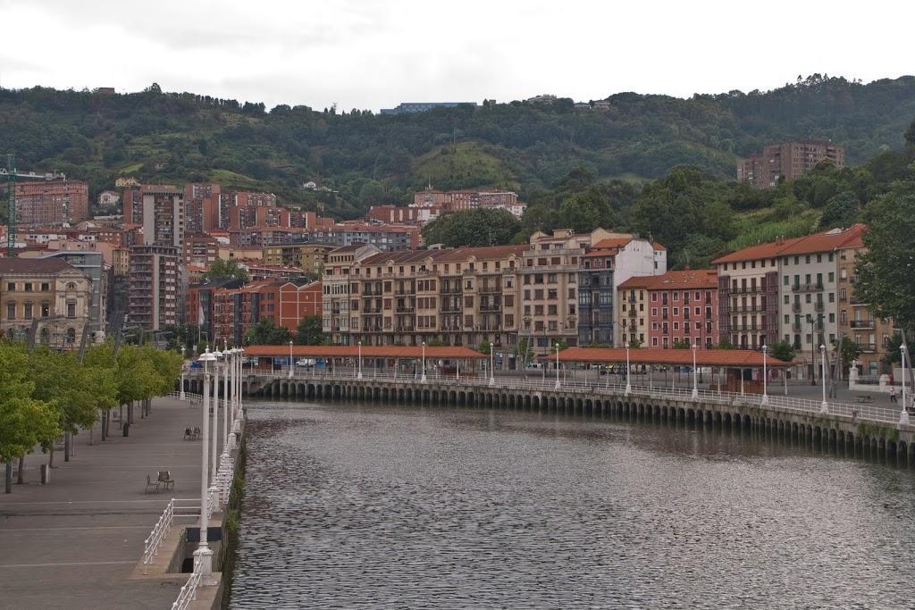 Bilbao: Desde el Puente de Arenal