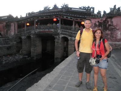 En el Puente Cubierto de Hoi An