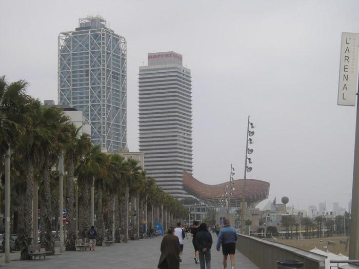 Torres rascacielos: de Mapfre y del Hotel Arts